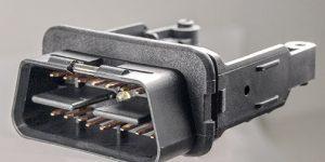 Kundenspezifischer Stecker in Einschubrahmen